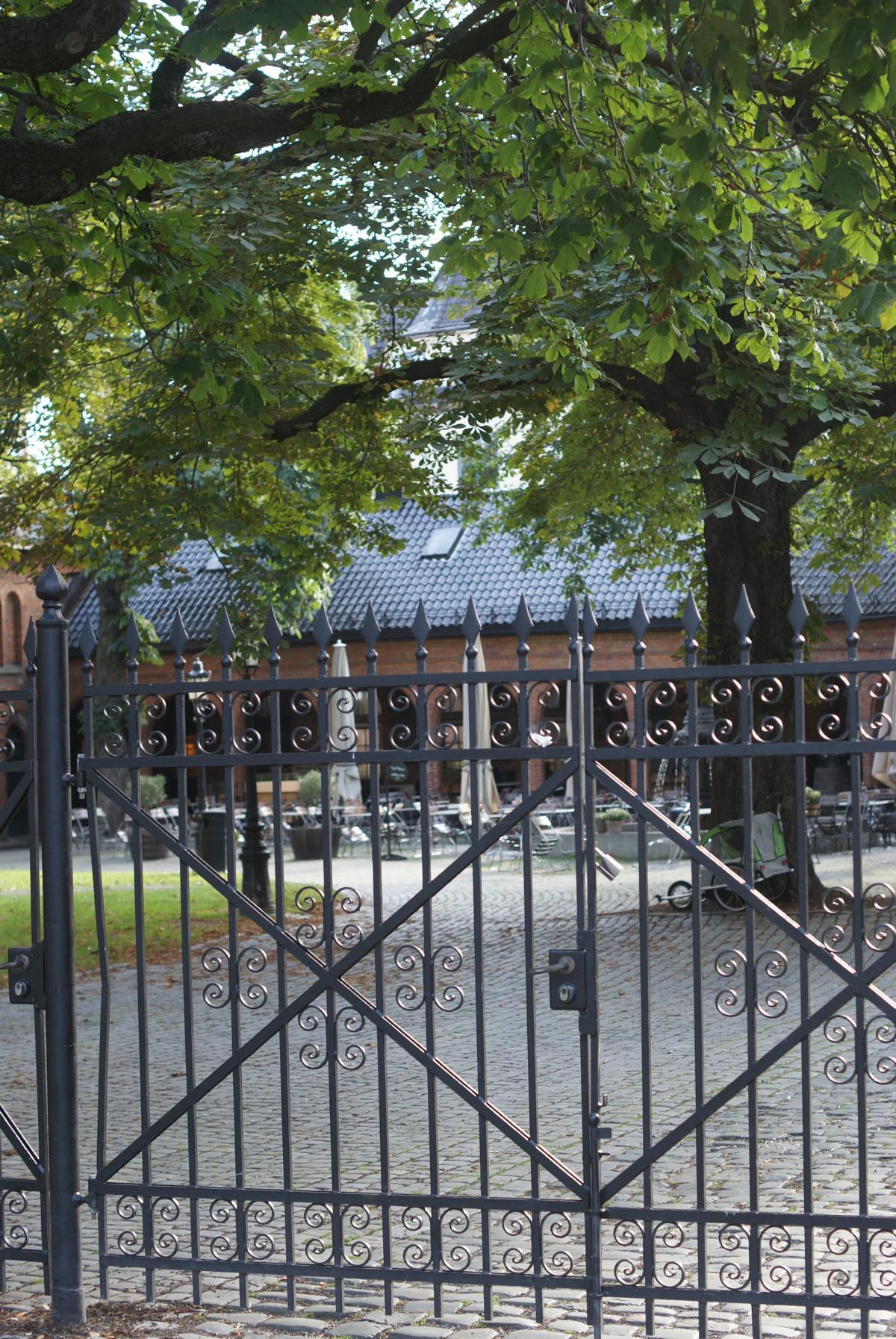Friedhof und Zaun der Kathedrale von Oslo