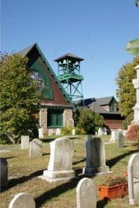 St.Saviour`s Church mit Fenstern aus Tiffany Glas