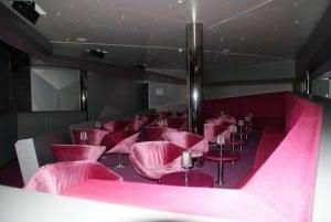 Telekom Bar Aida dunkel rot
