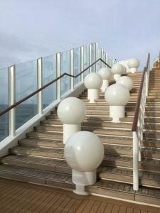 Lanai Deck AIDAprima Lampen Geländer Scheiben Aussicht Außenbereich