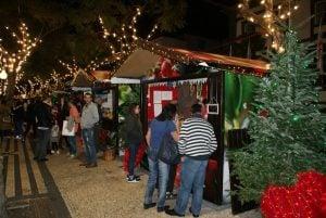 Hütten auf dem Weihnachtsmarkt Funchal