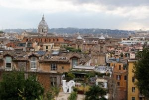 Rom zu Füßen Civitavecchia