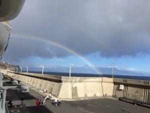 Regenbogen mit Teide im Hintergrund
