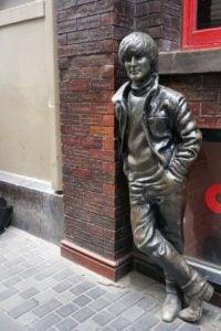 John-Lennon-Skulptur Liverpool Bronze