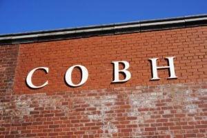 Cobh Bahnhof Irland Schriftzug Schrift Außen Wand