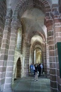 Seitenschiff der Abtei Kirche Mont-Saint-Michel