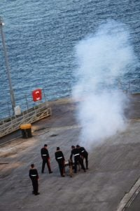Kanonenschuß-Zeremonie Sail Away AIDA Isle of Portland